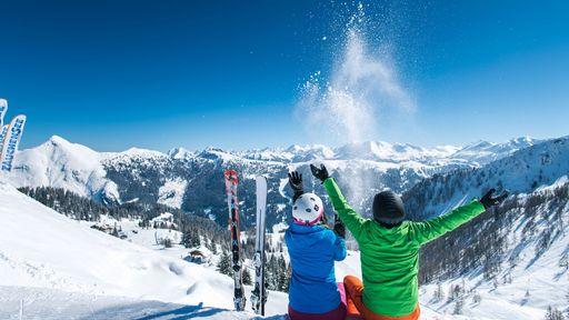 Spüren Sie die Freiheit auf Skiern und tauchen Sie ein in die beeindruckende Natur- und Bergkulisse.