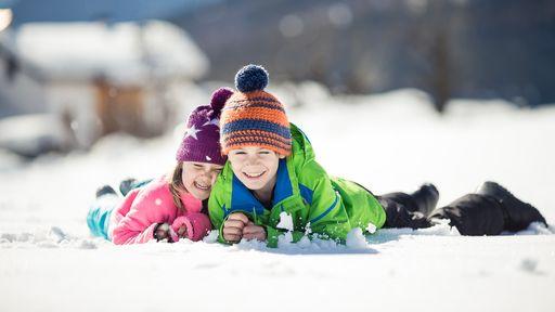 Winterurlaub im verschneiten Südtirol - Familotel Alpenhof