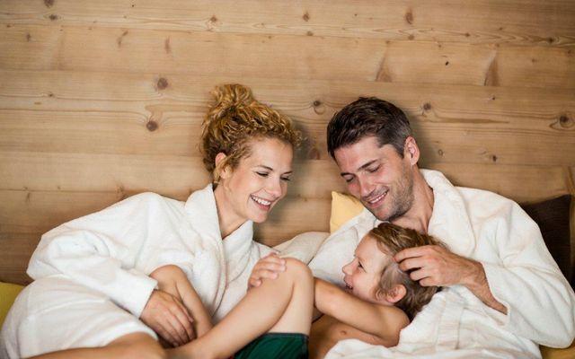 IMP_Familienhotel_Alpenhof_Familie_Wellness.jpg