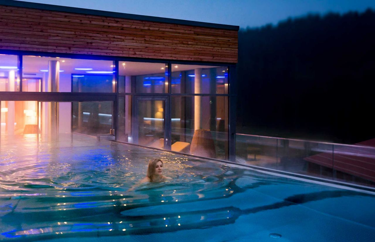 imp_schreinerhof_outdoor-pool.jpg