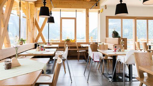 Das Alm-Restaurant im Familotel Scherer ist ebenfalls auf die Wünsche von Familien ausgerichtet.