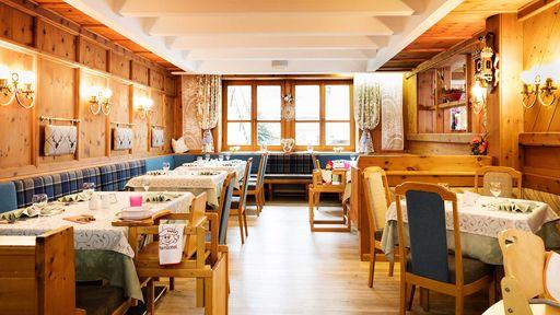 Genießen Sie unsere heimische Küche mit vielen spezifischen Schmankerln im Familotel Egger.
