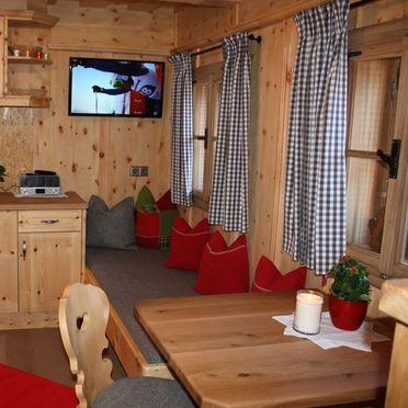 Wohnstube und Küche, Oberprenner Zirbenhütte, Haus im Ennstal, Steiermark, Steiermark, Österreich