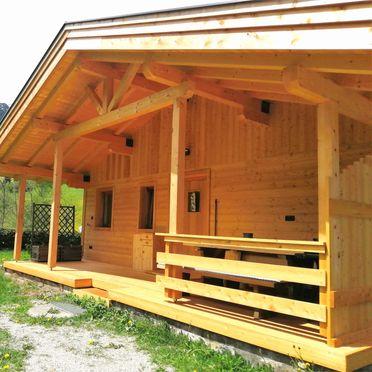 Terrasse, Ausserhof Hütte in Weissenbach, Südtirol, Trentino-Südtirol, Italien