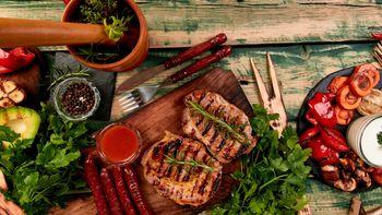 4-Gänge-Grill-Chef-Menü des Monats im Chattanooga