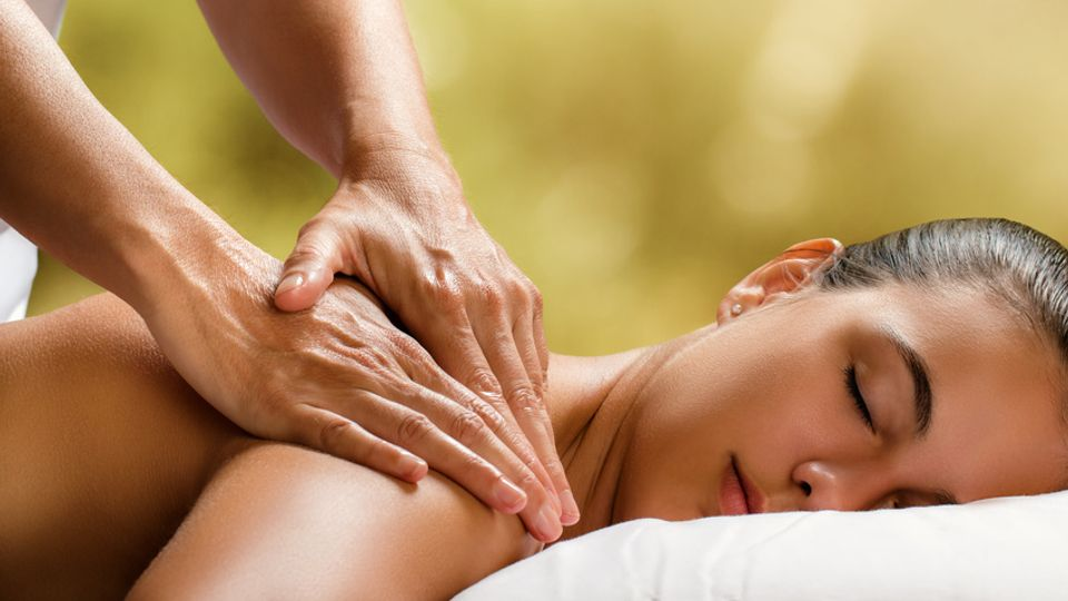 RÜCKEN-MASSAGE