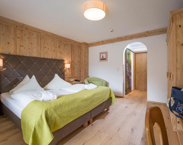 Doppel- & Einzelzimmer: Dreibettzimmer Hochzillertal