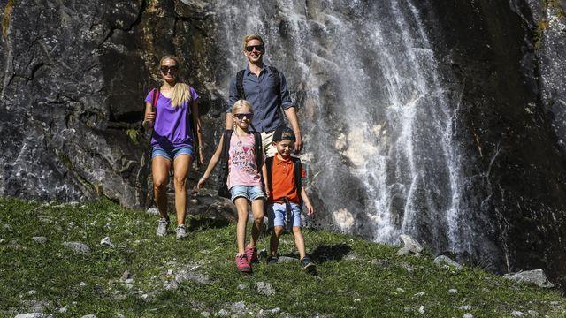 Familienzeit im Bergfrühling