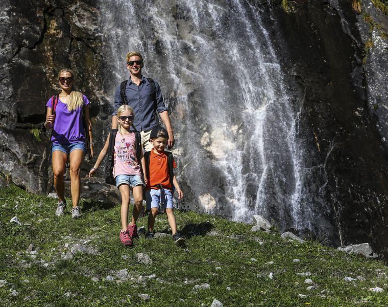Urlaubsangebot: Familienzeit im Bergfrühling