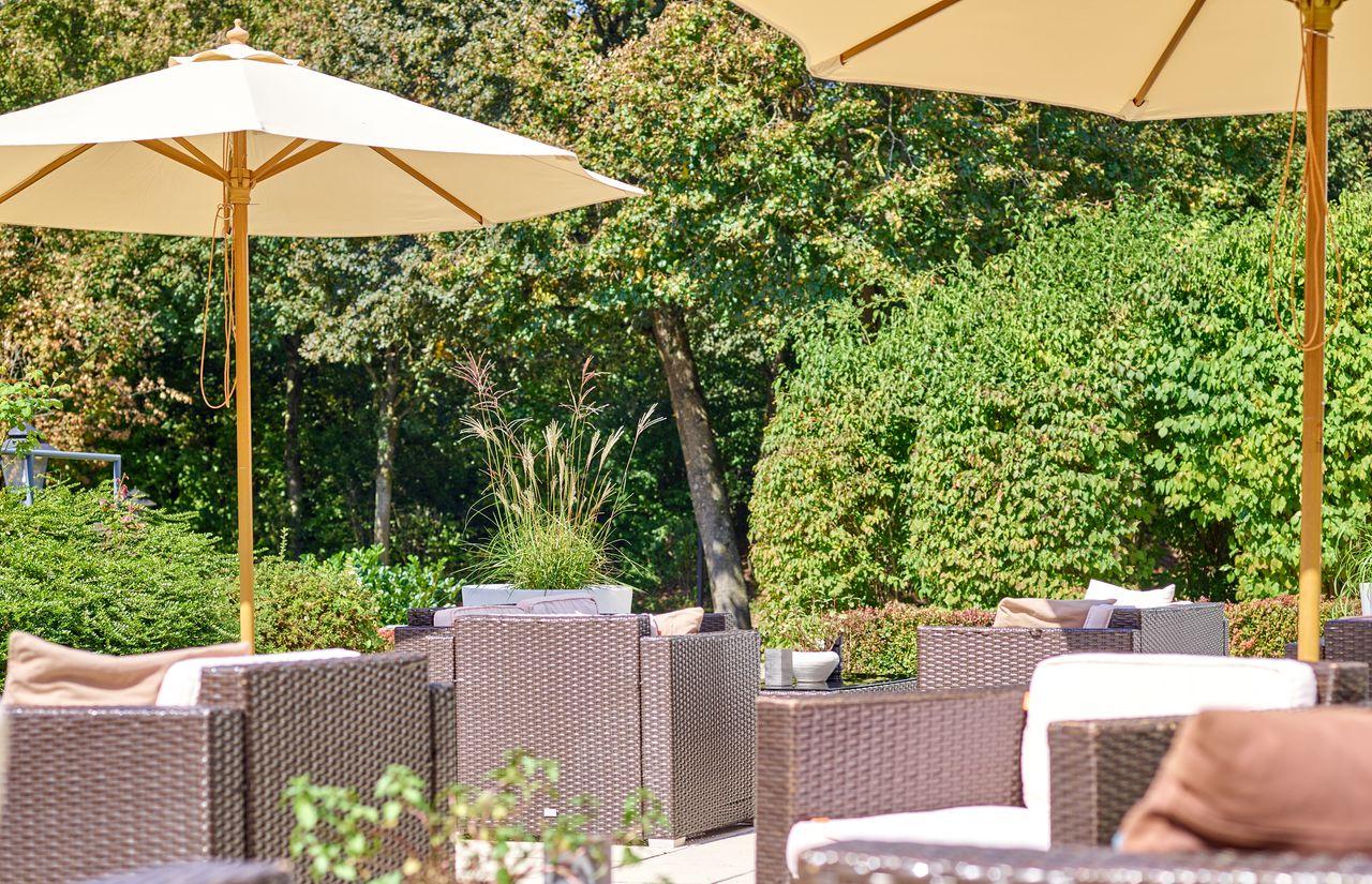 Lounge Terrasse mit Blick ins Grüne - DAS LUDWIG