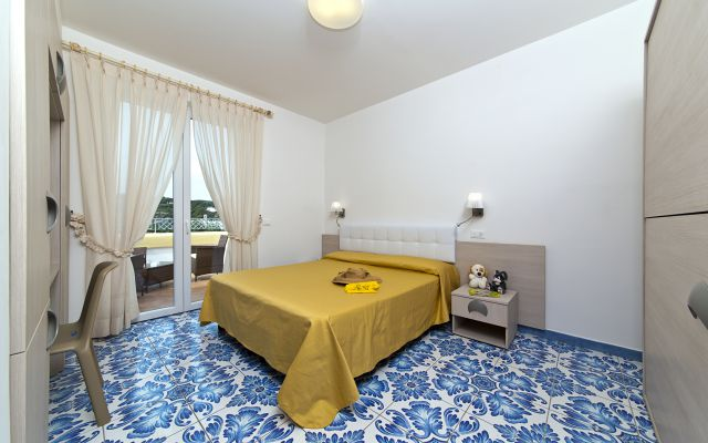 Vierbettzimmer des Kinderhotels Le Canne