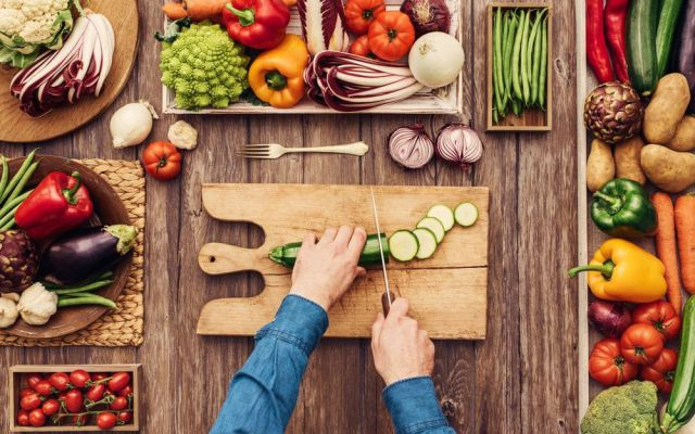 BIO HOTEL Fastenhof Behm: Gemüsezubereitung
