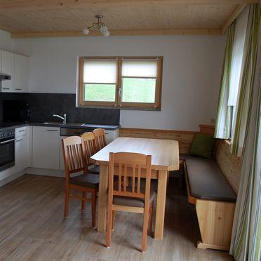 Chalet Langhans, Wohnküche mit Essecke