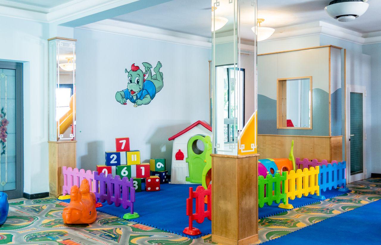 Spielzimmer des Familienhotels