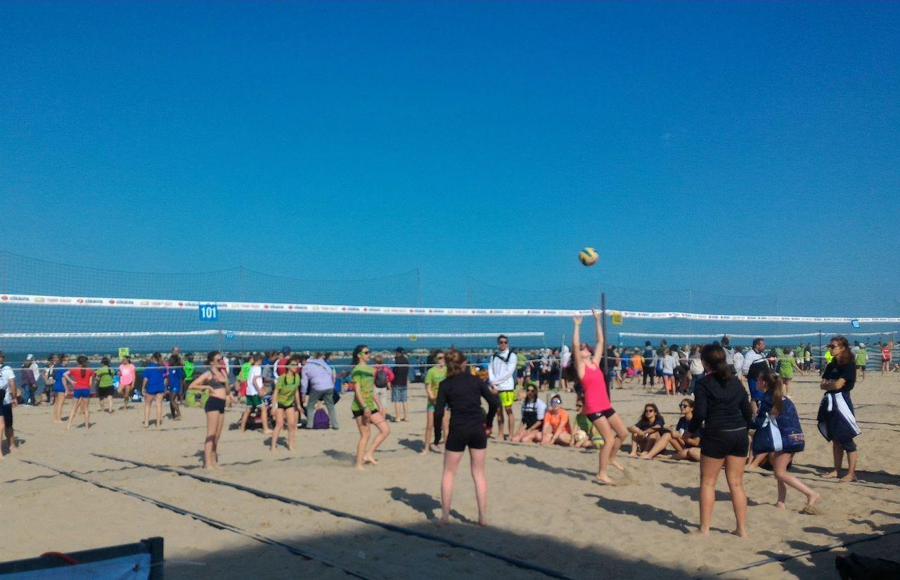 Sport, Strand, Sonne und viel Spaß beim Volleyball