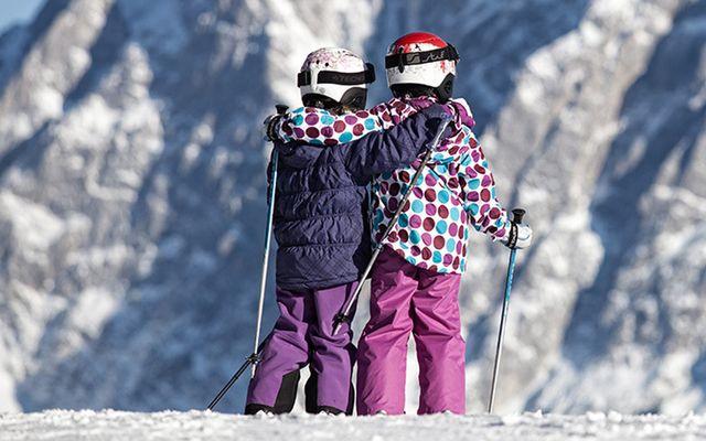 Zwei_Kinder_im_Winter.jpg