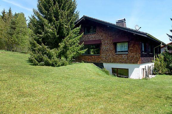 Außen Sommer 1 - Hauptbild, Schwarzwaldhütte Groosmoos in Bonndorf, Schwarzwald, Baden-Württemberg, Deutschland