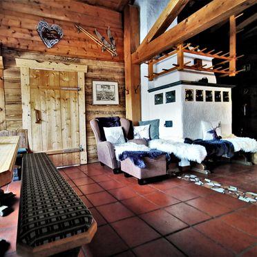 Wohnstube mit Kachelofen, Heideggalm, Forstau, Salzburg, Österreich
