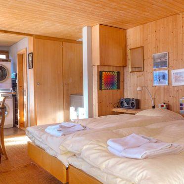 Innen Sommer 5, Chalet Jungfrau an der Ledi, Wengen, Berner Oberland, Bern, Schweiz