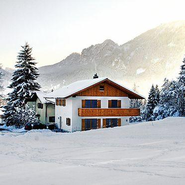 Außen Winter 22, Ferienchalet Schwänli in Oberammergau, Oberammergau, Oberbayern, Bayern, Deutschland