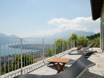 Luxus-Rustico Vernice Gialla im Tessin - Ticino - Switzerland