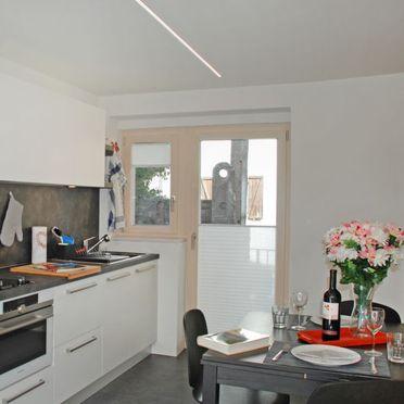 "Inside Summer 2 - Main Image, Ferienhaus ""Casa Rossella"" mit Seeblick, Minusio, Tessin, Ticino, Switzerland"