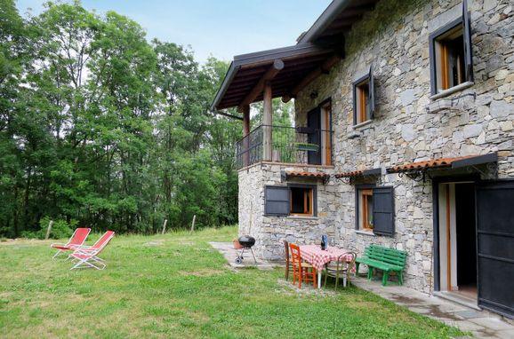 Außen Sommer 1 - Hauptbild, Rustico Alpe in Castelveccana, Castelveccana, Lago Maggiore, Lombardei, Italien