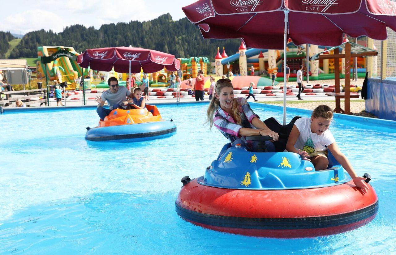 Wasserboote im Freizeitpark