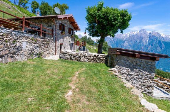 Außen Sommer 1 - Hauptbild, Rustico la tana del lupo, Gera Lario, Sorico (CO), Lombardei, Italien