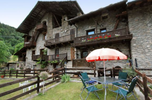 Außen Sommer 1 - Hauptbild, Maison Meynet, Sarre, Aostatal, Aostatal, Italien