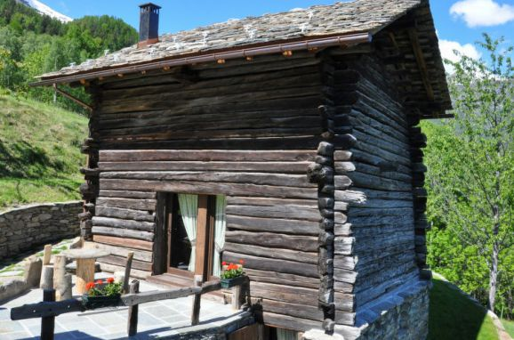 Outside Summer 1 - Main Image, Chalet les Combes, Introd, Aostatal, , Italy